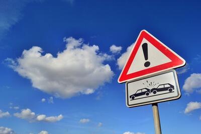 Himmel Achtungzeichen Verkehrsunfall